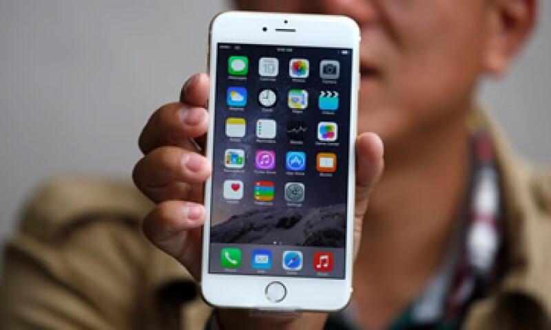 Apple vendió un récord de 10 millones de iPhone 6 y iPhone 6 Plus. (Foto: AFP)