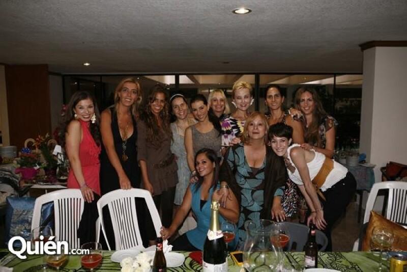 Claudia estuvo acompañada por familiares y amigos