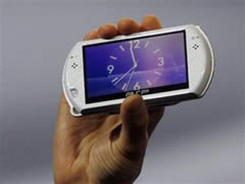 Sony lanzará la nueva PSP Go, una consola 40% más ligera que el PSP 300. (Foto: Reuters)