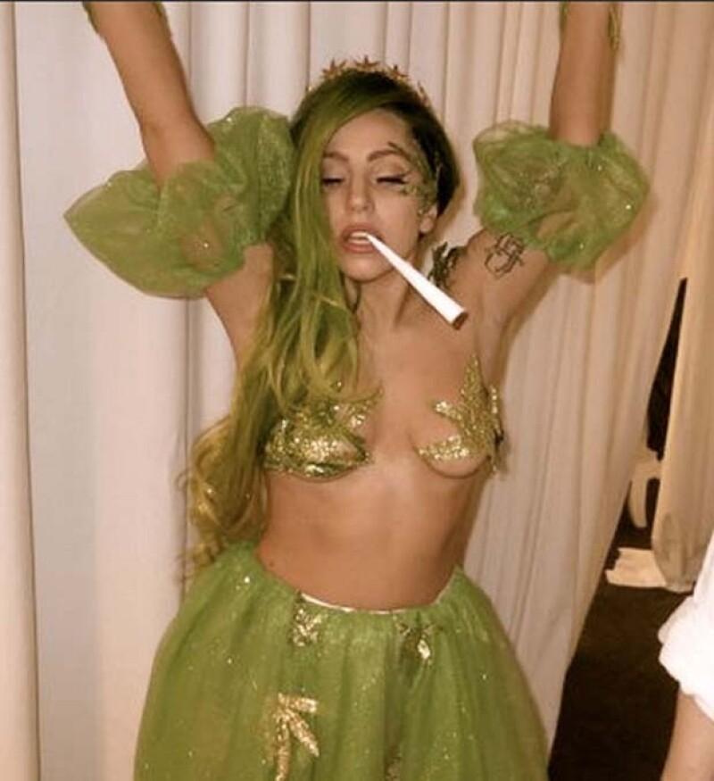 Esta vez, la cantante hizo levantar las cejas de muchos con su elección de disfraz para este Halloween.