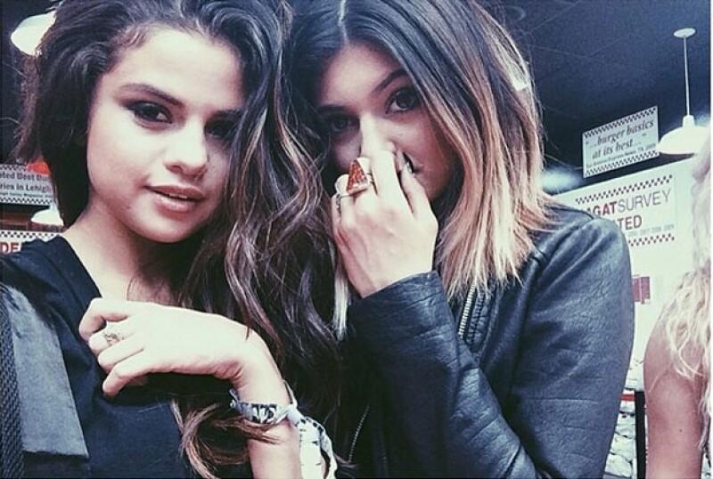 A pesar de que Gomez borró las fotos de las Jenner, Kylie aún las conserva.