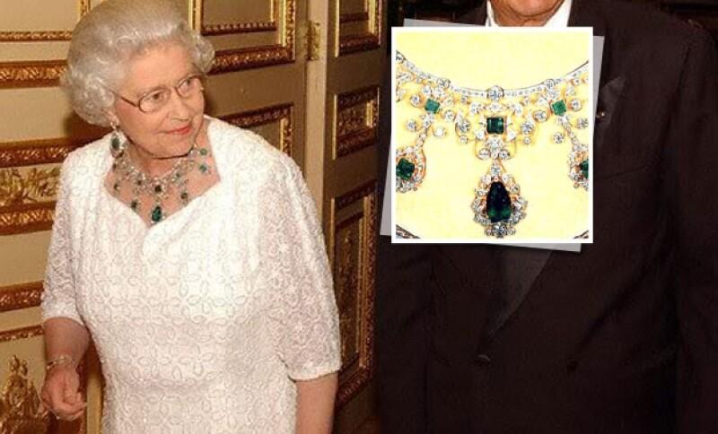 Isabel II ama, como muchas mujeres, las piedras preciosas.