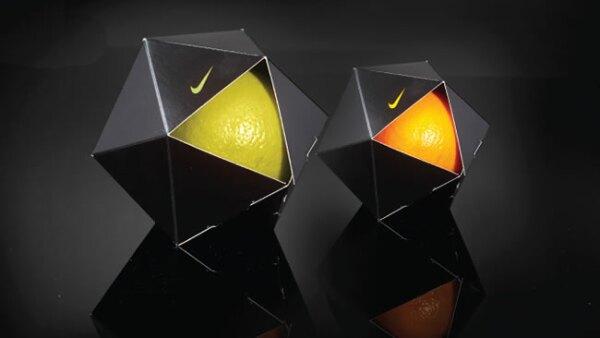 Arte de Peddy Mergui. Protectores de naranjas Nike