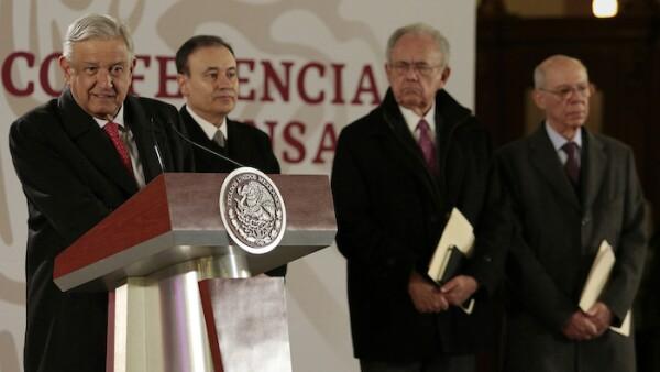 Andrés Manuel López Obrador y miembros de su gabinete