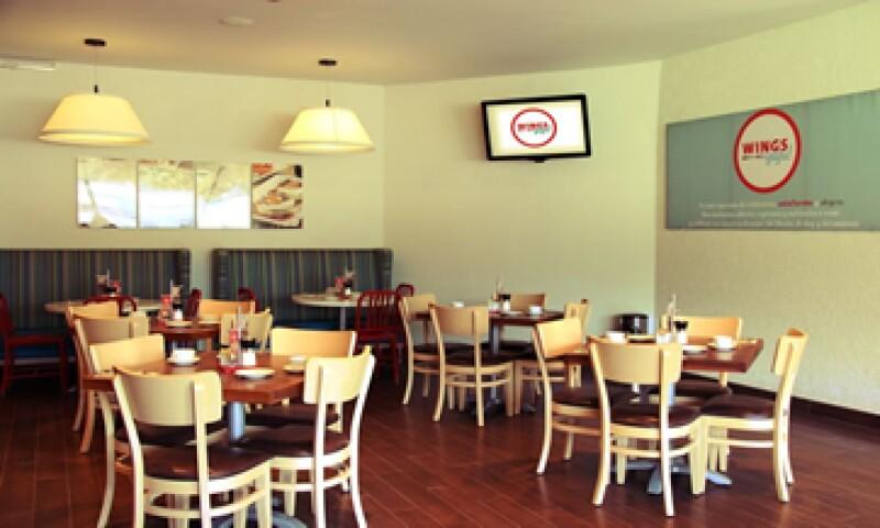 La cadena de cafeterías espera aumentar en 6% el tráfico de clientes en cada establecimiento transformado. (Foto: Cortesía de Wings)
