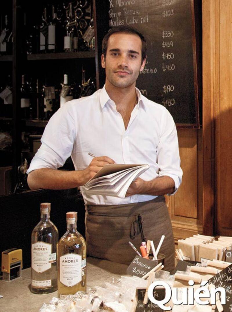 Santiago Suárez, socio fundador de Mezcal Amores.