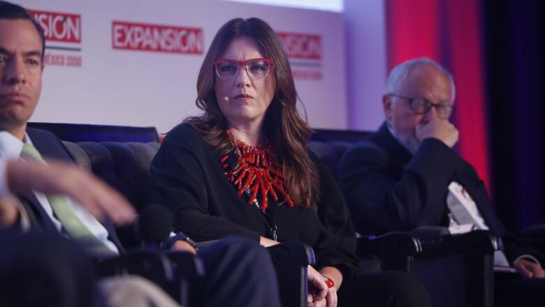 Melanie Devlyn
