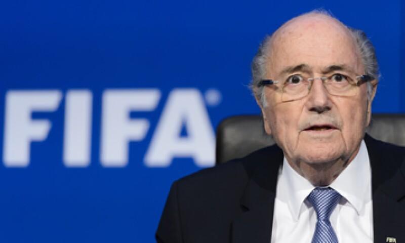 Coca-Cola no comentó si las nuevas medidas de Joseph Blatter en la FIFA bastaban para satisfacer sus demandas. (Foto: AFP)
