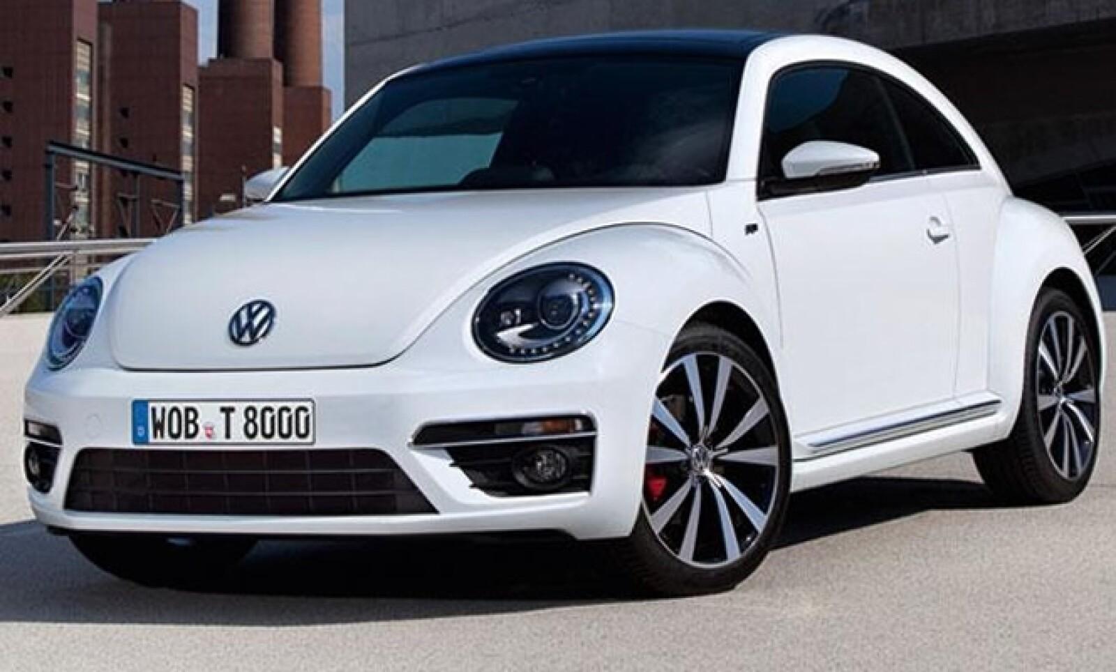 Al igual que con otros modelos, la marca Volkswagen ha decidido otorgarle al Beetle un paquete opcional que le da un estética más deportiva.