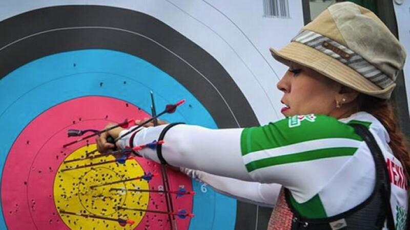 Aída Román consiguió dos medallas el domingo en China