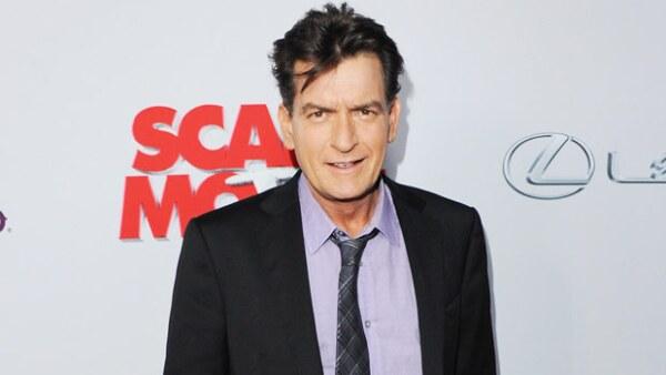 El actor aseguró en el programa Dr Oz que sus niveles del virus en la sangre habían aumentado después de probar una vacuna experimental en México.