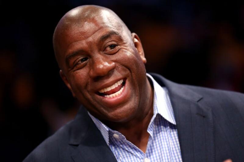El ex jugador de los Lakers aseguró que Hillary será quien vea por los que menos tienen de llegar a ser presidente.
