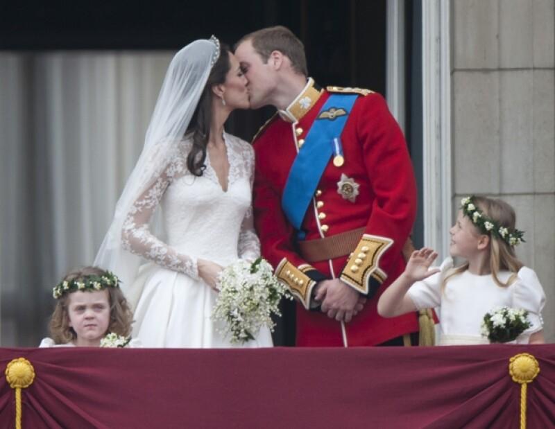 De la inolvidable boda de Lady Diana y Carlos de Gales hasta el extravagante enlace del príncipe de Brunei, te presentamos las espectaculares bodas de la realeza.