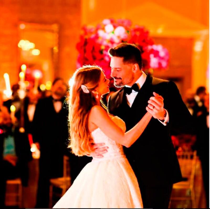 La pareja compartió los grandes momentos de su boda en redes sociales.