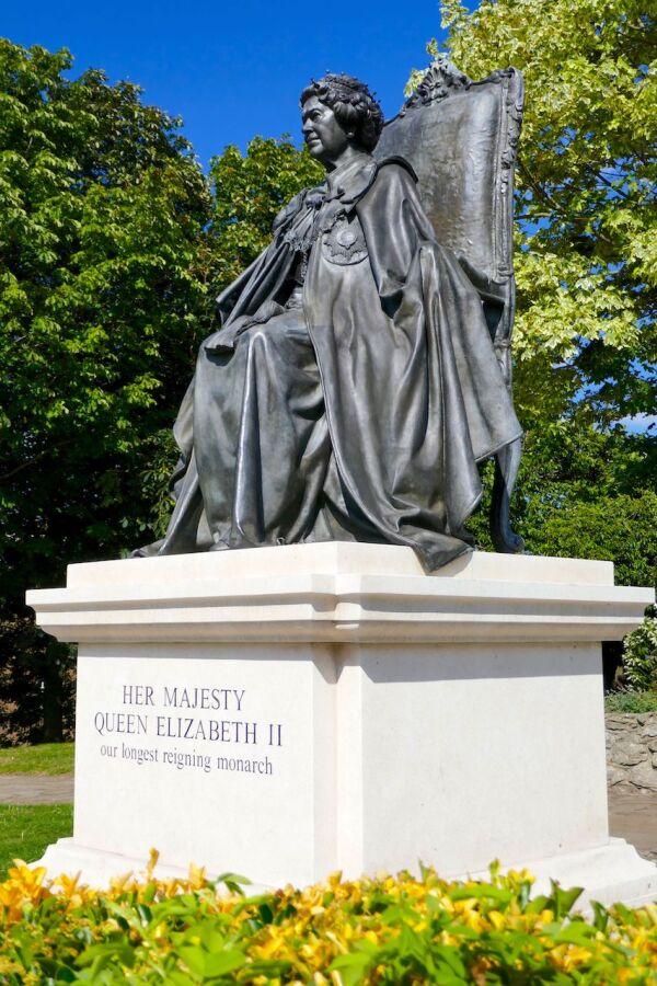 Queen Elizabeth II statue, St Andrew's Gardens, Gravesend, UK - 17 Jul 2020