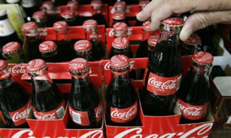 La empresa dijo que sus ventas sumaron 38,391.6 millones de pesos. (Foto: AP)