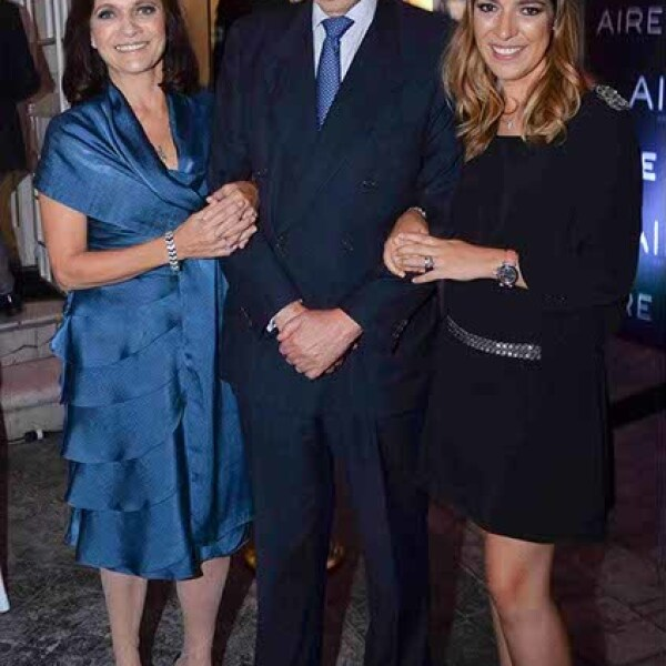 Ana Amezcua,Alfredo Amezcua y Gabriela Castro.