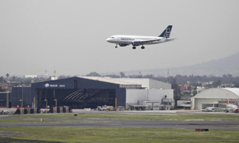 Asur estima que por la crisis y la salida de Aviacas y Mexicana, 109 aviones dejaron de operar (Foto: AP)