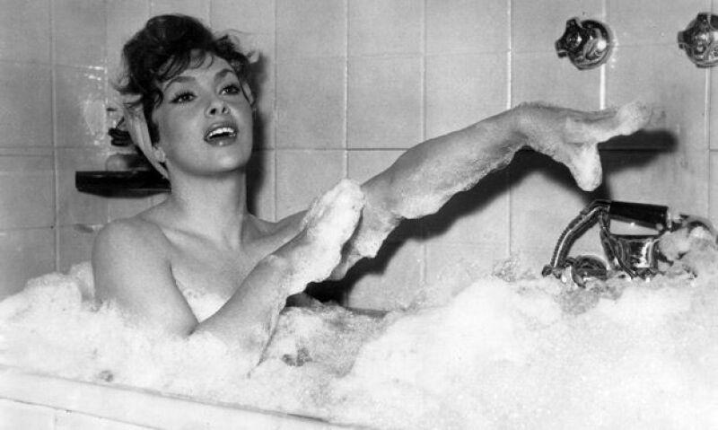 """El mítico director estadunidense John Huston la contactó para participar en su comedia """"La burla del diablo"""", rodada en Italia."""