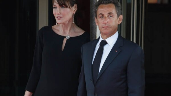 La ex primera dama defiende a su esposo, el ex presidente francés Nicolás Sarkozy, de las acusaciones sobre el financiamiento de sus campañas electorales.