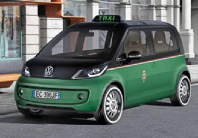 El taxi eléctrico, una novedad que llegará a Italia en 2013 (Foto: Conduciendo.com)