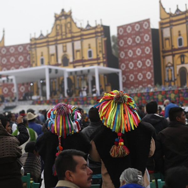 Al tercer día de actividades del papa argentino en el país, acudieron más de 90,000 personas a la misa del pontífice.
