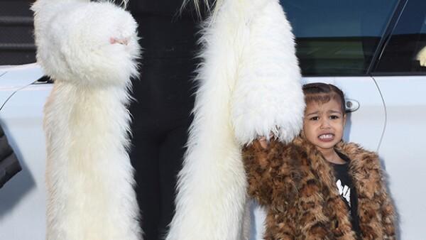 Gracias a sus papás, la pequeña ha estado muy en contacto con la moda y parece que ahora, a sus 3 años, refleja un poco de lo que ha aprendido de ellos.