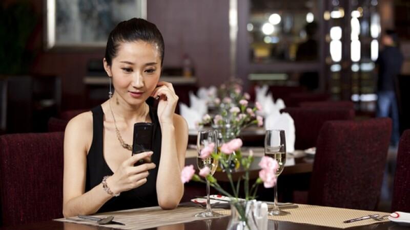 conyugue amor soltera comer restauran plantada mujer china