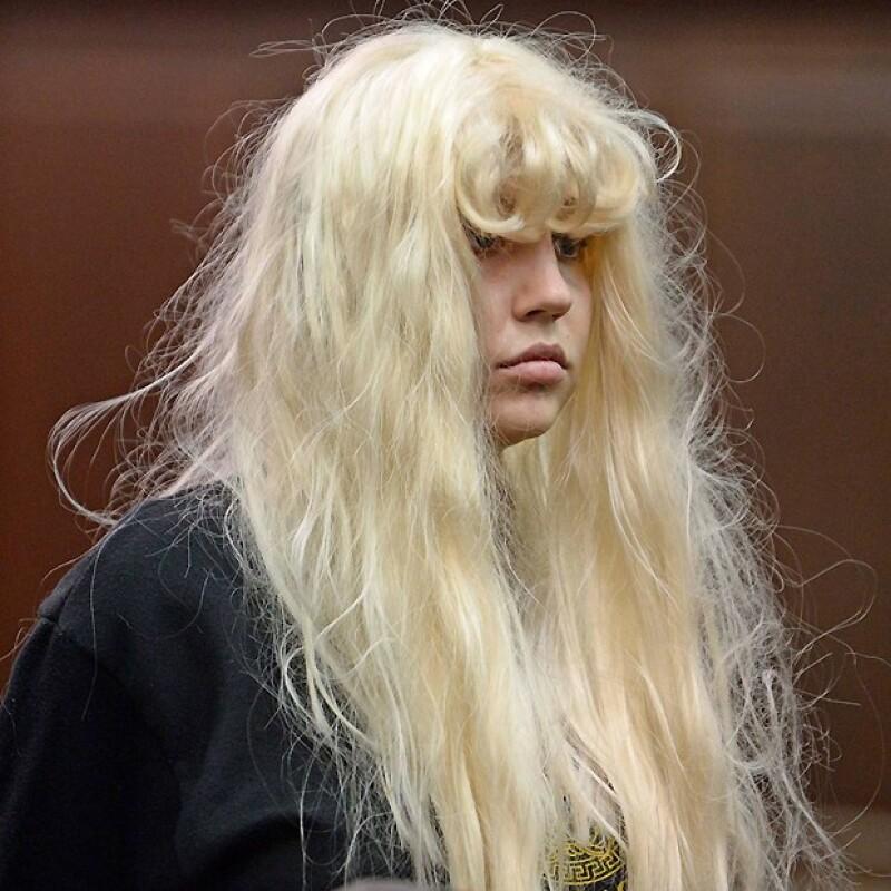 Amanda Bynes, disfrazada hasta en la corte.