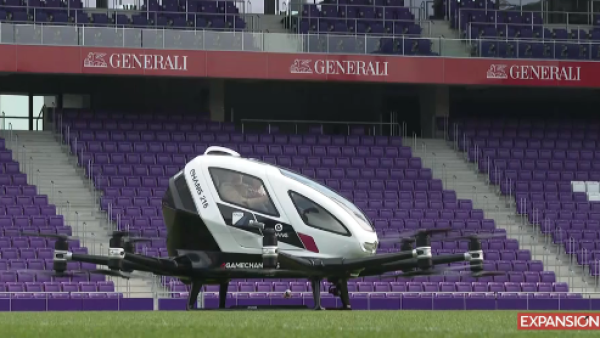 Taxi Drone.png