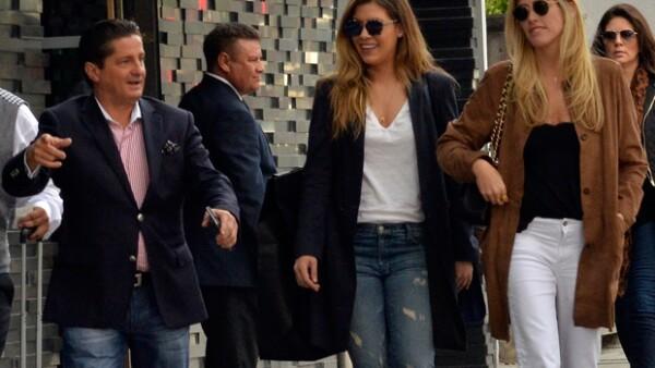El hermano y la hija de Luis Miguel fueron captados paseando por Polanco este pasado fin de semana, donde ambos se mostraron sonrientes y felices por la reunión.