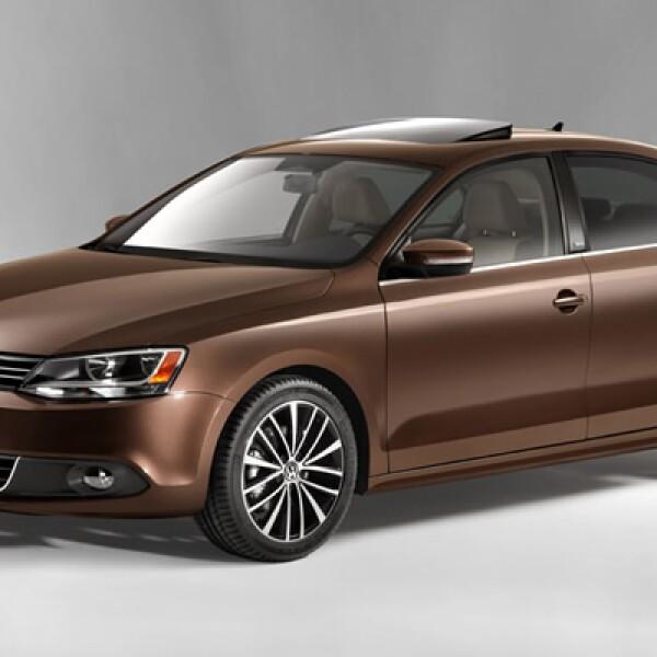 Éste es el nuevo Jetta de sexta generación, el modelo que eventualmente reemplazará al actual Bora y que competirá en el segmento de los sedanes medianos.
