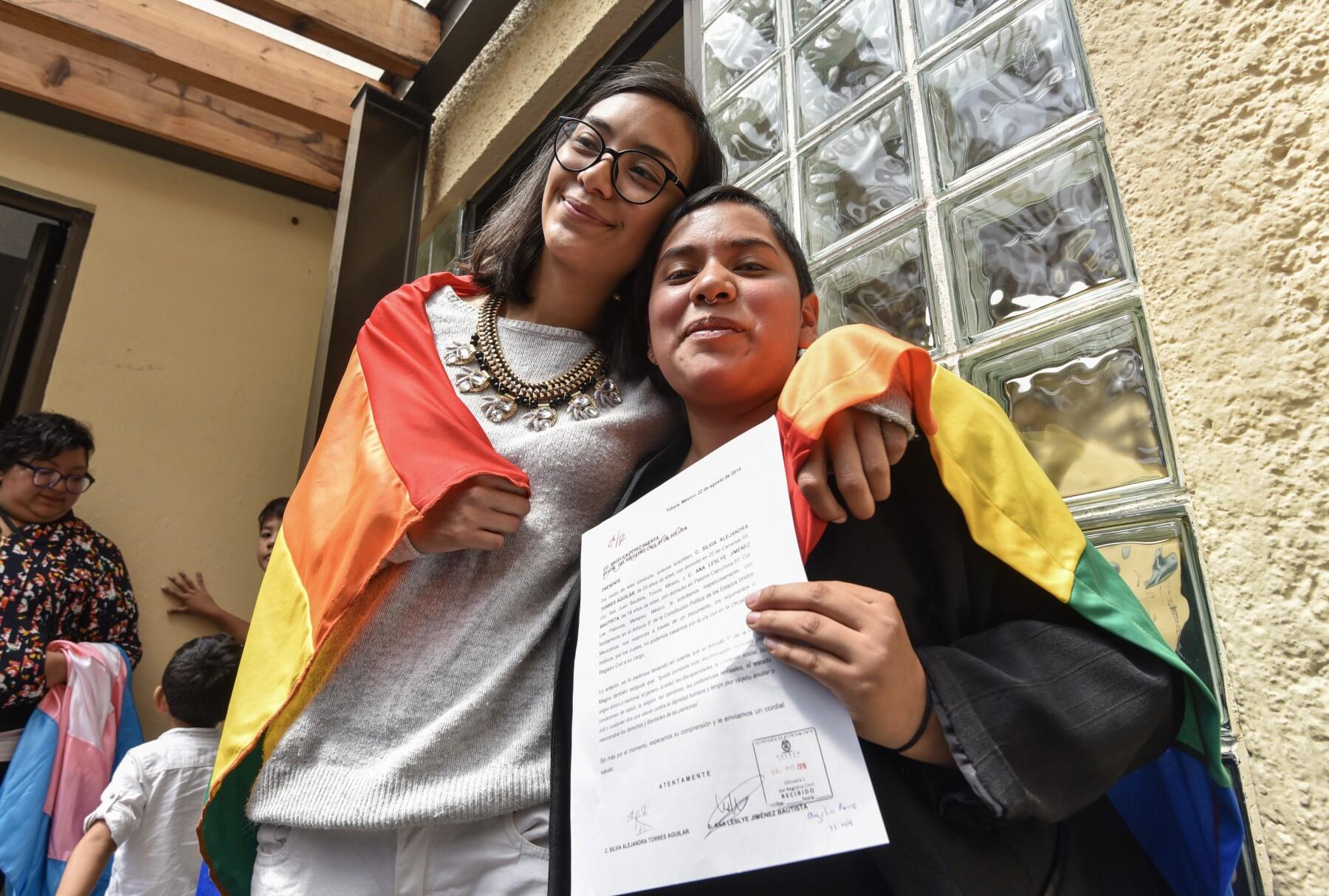 CNDH defiende derecho al matrimonio igualitario en Puebla