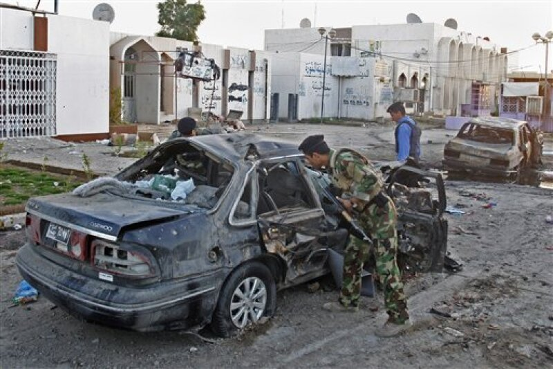Entre los muertos estaban 35 empleados de ese ministerio y cuando menos 25 miembros del personal del Consejo Provincial de Bagdad. (Foto: AP)