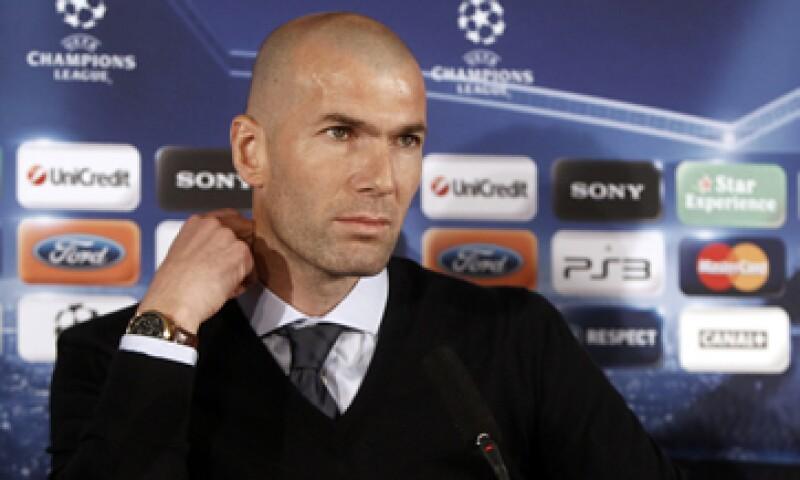 Mourinho había pedido la temporada pasada que Zidane trabajara más de cerca con el equipo. (Foto: AP)