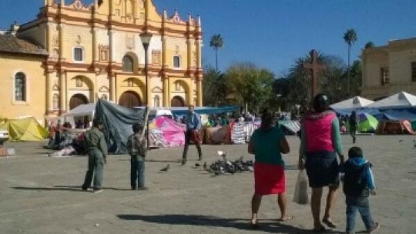 Grupos indígenas se manifiestan en San Cristóbal de las Casas previo a la llegada del papa. (Foto: Laura Hernández )