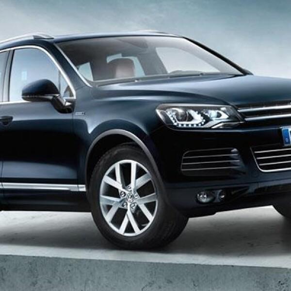 Hace 10 años, el Volkswagen Touareg debutaba en el Auto Show de París, y para celebrar esta fecha la automotriz germana eligió el mismo escenario para mostrar un nuevo modelo de la popular SUV.