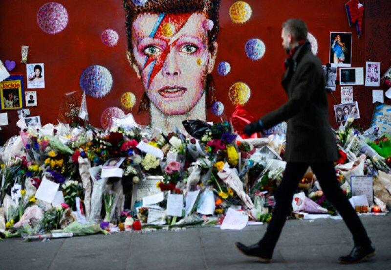 Los fans del artista expresaron así sus condolencias en diversas partes del mundo.