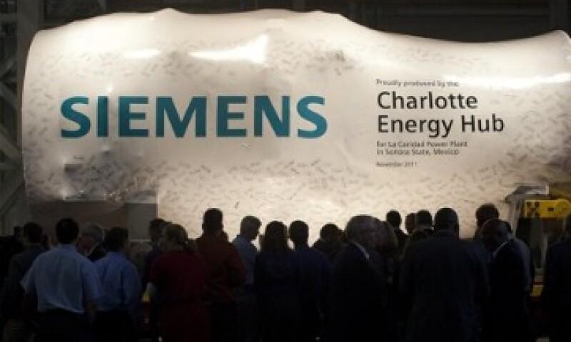 Siemens intentó sobornar de manera fallida al nuevo Gobierno en 2011 para revivir un contrato. (Foto: AP)