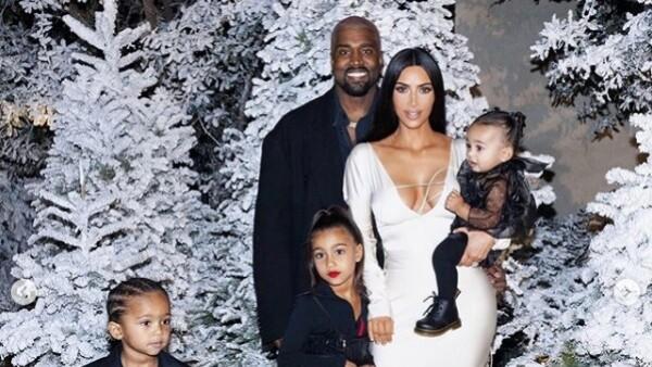 Las fotos de la familia Kardashian causan polémica (Foto: Instagram)