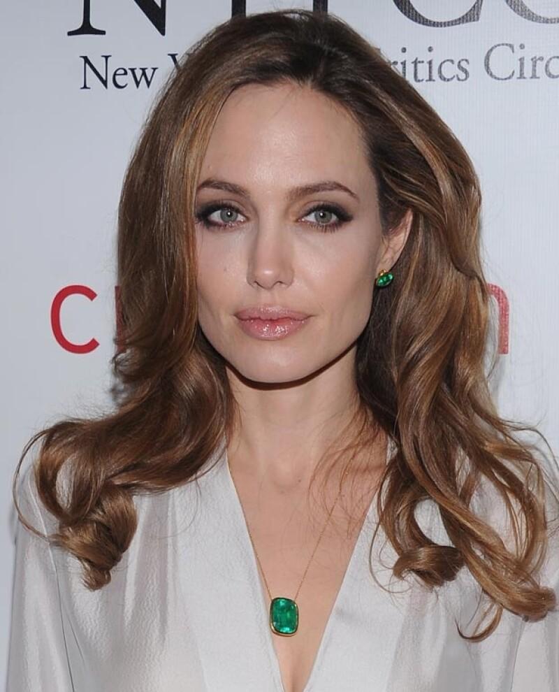 Angelina Jolie de 37 años era una de las `bad girls´de Hollywood. Hoy en día, un ejemplo.