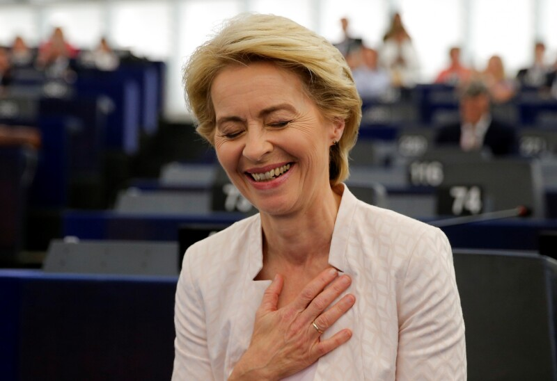 Ursula von der Leyen es confirmada por el Parlamento Europeo como presidenta de la Comisión Europea.