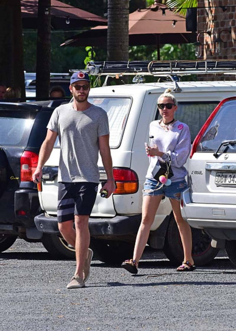 El actor australiano finalmente respondió algunas preguntas sobre su relación con su ex, Miley Cyrus.