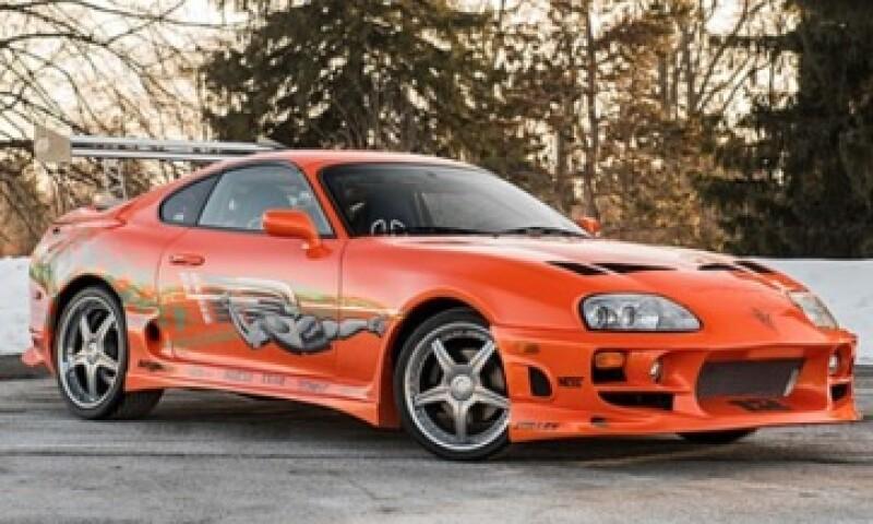 El Toyota Supra 1993 tiene 220 caballos de fuerza y dos contenedores de nitrógeno. (Foto: Mecum.com )