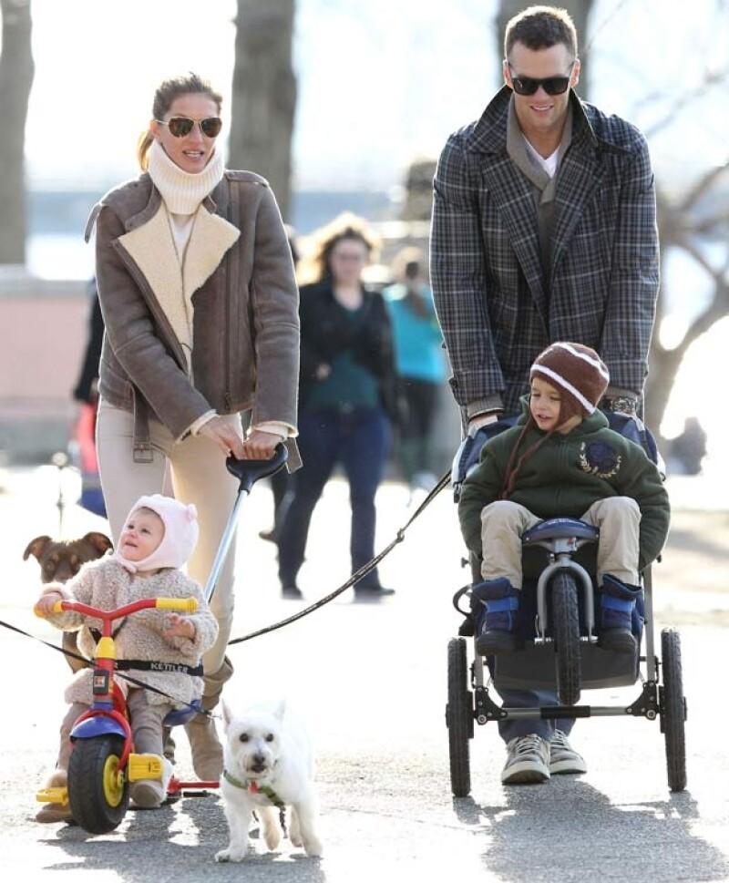 Gisele está casada con el quarterback Tom Brady, padre de sus dos hijos: Ben y Vivian.