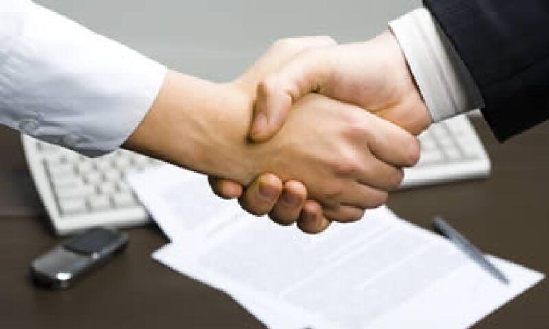 El contrato de franquicia no puede modificarse, por lo tanto deberás leerlo con detenimiento antes de firmarlo. (Foto: Photos To Go )