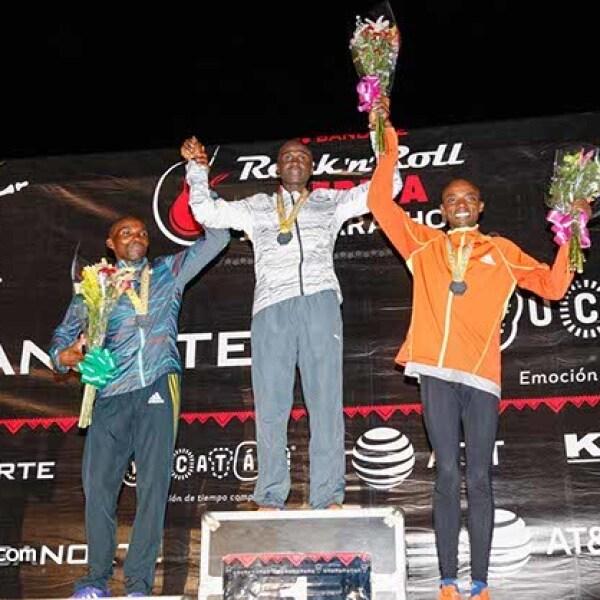 Simon Kariuki Njoroge (2),Emmanuel Mnangat Chamer (1) y Samuel Karanja Karuku (3)