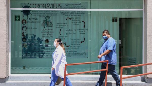 Instalaciones de atención para primer contacto en la inmediaciones del Hospital Ajusco Medio, tras la declaratoria de Emergencia Sanitaria.