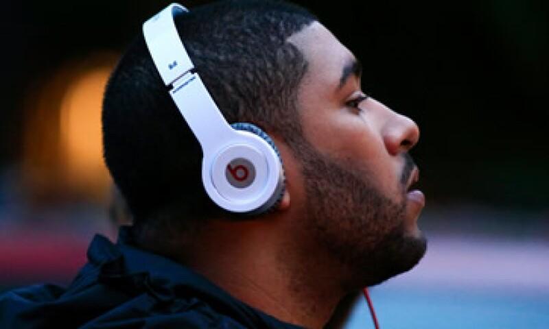 En los Juegos Olímpicos de 2012, la compañía de Dr. Dre regaló auriculares a deportistas de alto perfil. (Foto: Reuters)