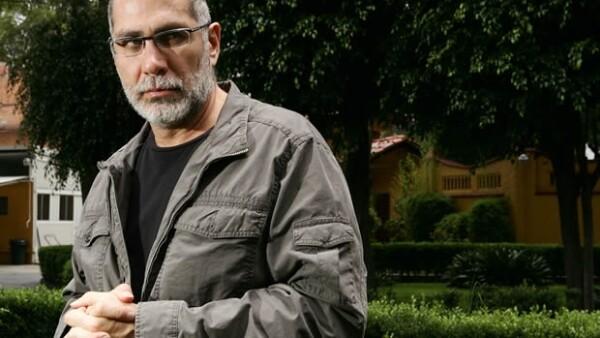 Guillermo Arriaga menciona que esta próxima subasta ya la está dando a conocer a través de la red social Twitter.